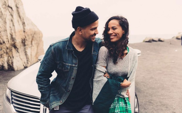 johnnyswim-lincolnmkc-2015-beach-portrait-1280x802